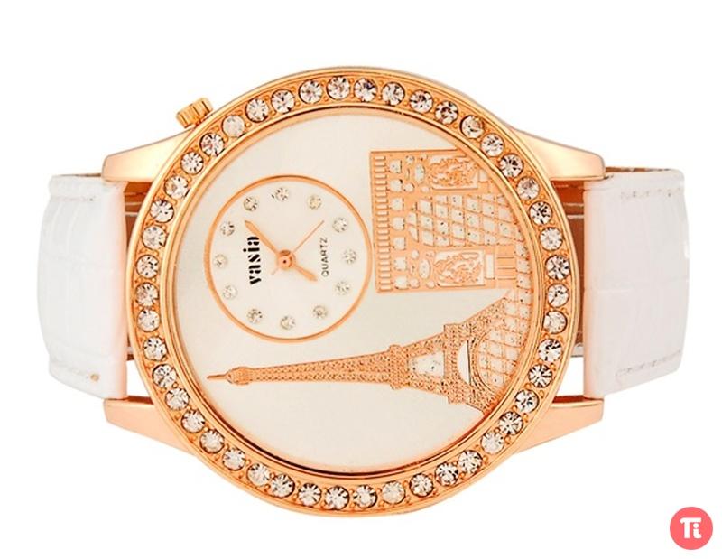 Чем привлекают наручные женские часы с большим циферблатом? . Прежде всего крупные изделия обычно смотрятся куда