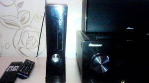 Продаю приставку x box 360 прошитая 25 дисков бу 1 год срочно.