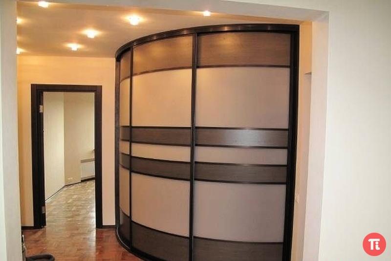 Встроенные угловые шкафы фото