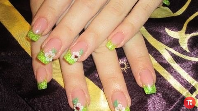 Рисунки на покрытых гелем ногтях