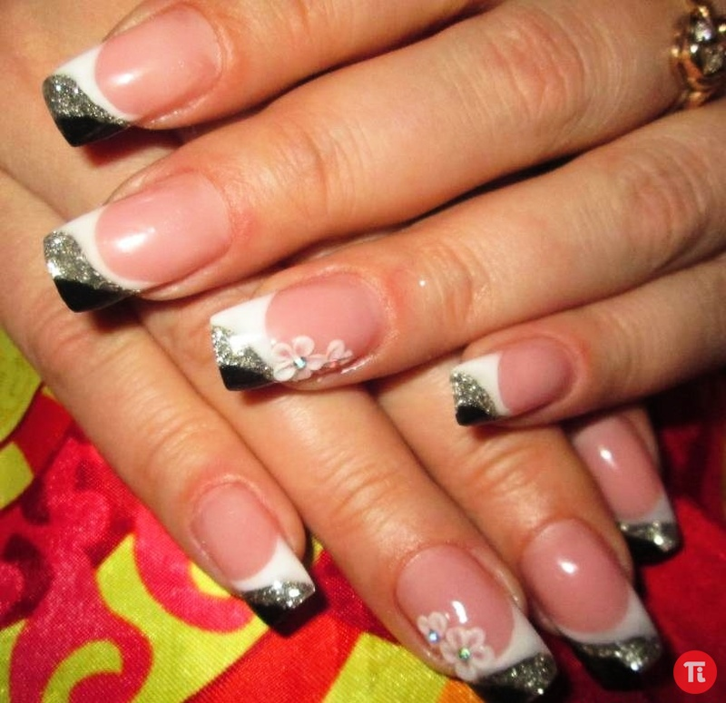 Гелевое покрытие ногтей френч с рисунком новинки