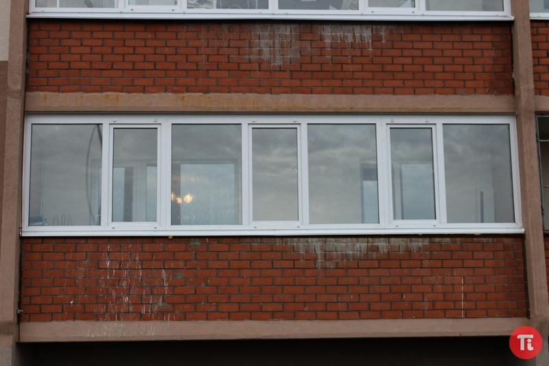 Окна 6 метров балкон.