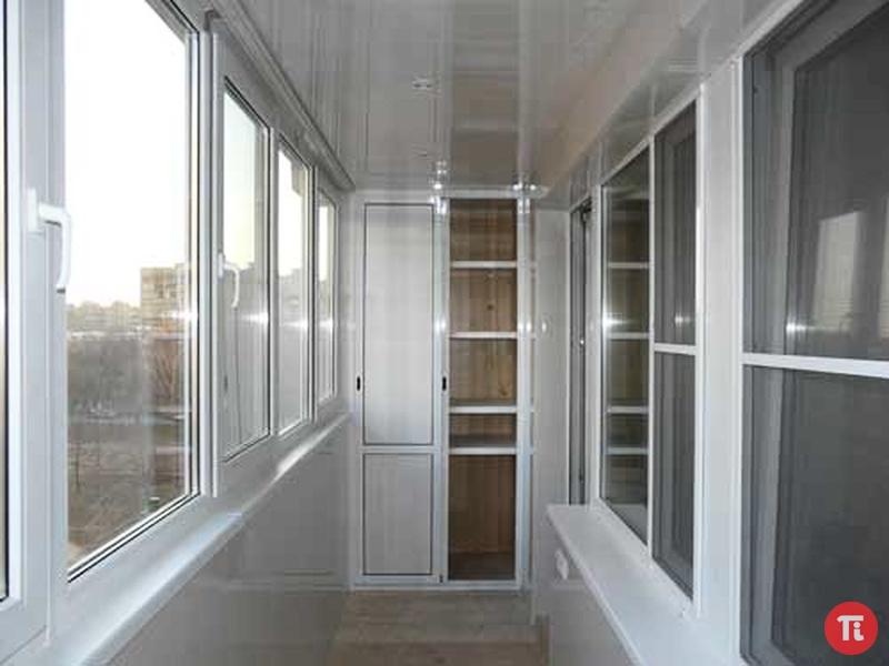 Полный спектр услуг по внешней и внутренней отделки балконов.
