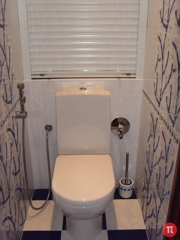 Ремонт туалета сайдингом с