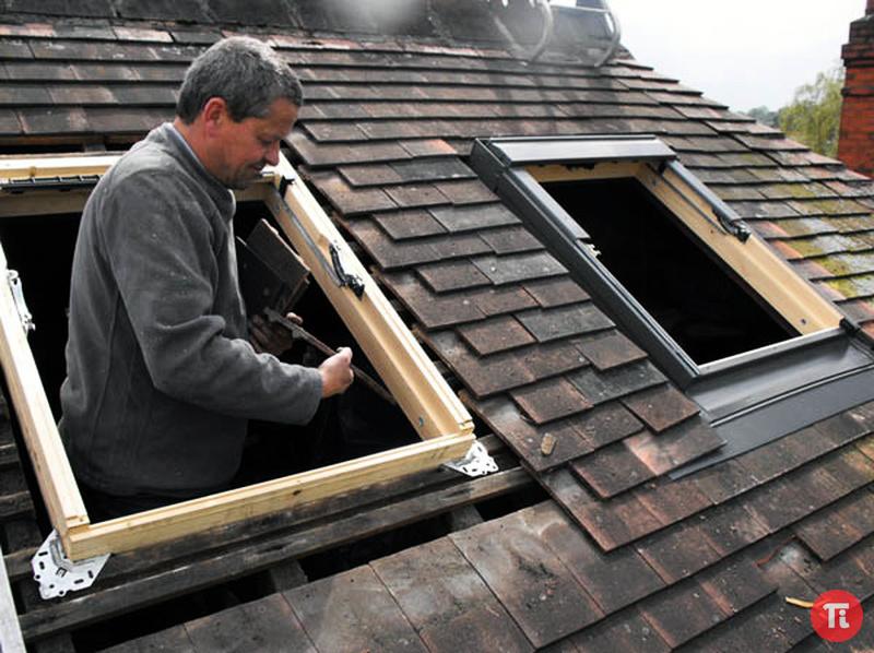 Как установить окно в крыше